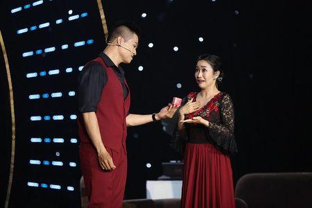 Oc Thanh Van e che, nhuc nha vi bi phat hien ngoai tinh - Anh 1