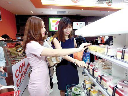 Thi truong ban le Viet: Dieu gi cho doi 'ke den sau' 7-Eleven? - Anh 1