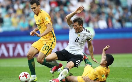 'Xe tang' Duc chat vat danh bai Australia tai Confed Cup - Anh 1