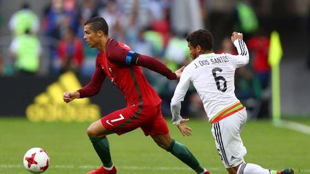 Chu tich Real thua nhan Ronaldo 'co nhung hanh vi rat la' - Anh 10