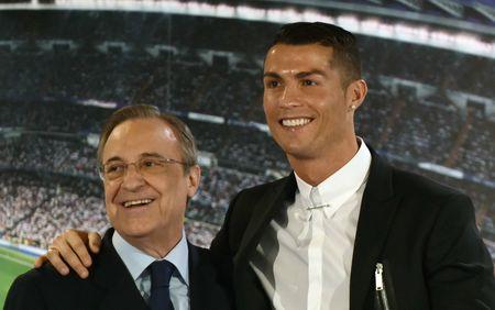 Chu tich Real thua nhan Ronaldo 'co nhung hanh vi rat la' - Anh 1