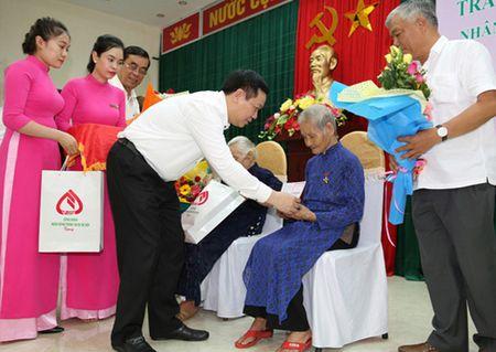 Pho Thu tuong Vuong Dinh Hue tri an cac anh hung liet si - Anh 3