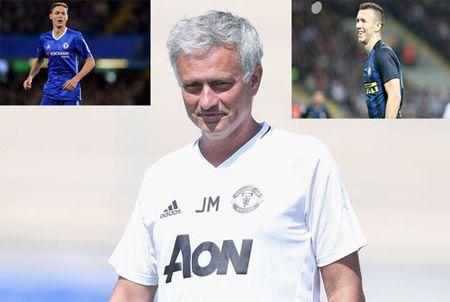Con 100 trieu bang, Mourinho xac nhan M.U se tau them 2 'bom tan' - Anh 1