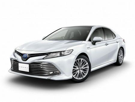 Toyota Camry 2018 gia tu 656 trieu dong o que huong Nhat Ban - Anh 1