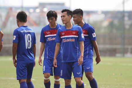 U22 Viet Nam lai gap may o mon bong da nam SEA Games 29 - Anh 1