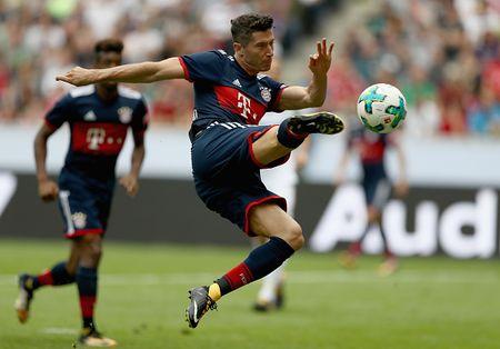 Lewandoski lap sieu pham, dua Bayern vao chung ket - Anh 1