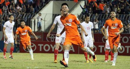 Cuu 'hot boy' Nam Dinh noi gi khi doi bong que huong tro lai V-League - Anh 1