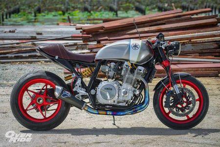 Moto Yamaha XJR1300 'lot xac' cafe racer sieu chat - Anh 6