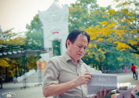 Xuc dong bo anh 'Tri an thang 7 mien Trung - Nhung chuyen di boi dap tam hon' - Anh 11