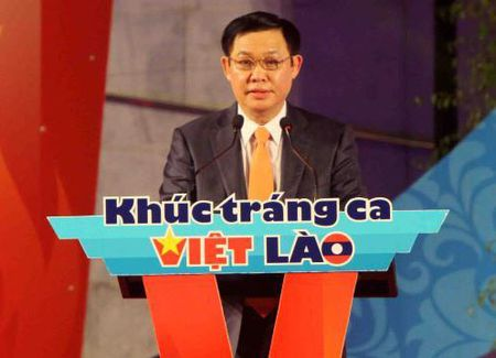 Chuong trinh Thap nen tri an 'Khuc trang ca Viet – Lao' - Anh 1