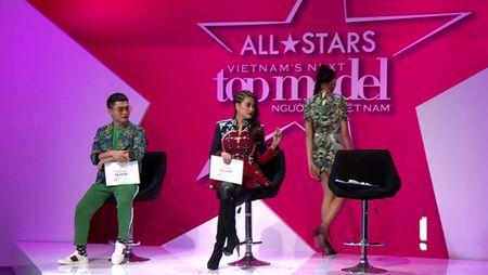 Vietnam's Next Top Model 2017 toi nay: Bung no mau thuan Nam Trung va Vo Hoang Yen - Anh 5