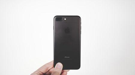 Cam bien laser tren iPhone se mang nhieu y nghia - Anh 1