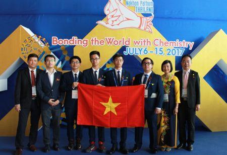Viet Nam gianh 4 huy chuong tai ky thi Olympic Hoa hoc quoc te - Anh 1