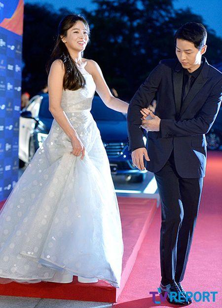 Song Hye Kyo - tu co gai mum mim toi bieu tuong nu tinh - Anh 11