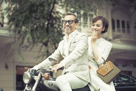 Hau phau thuat tham my, Kieu Ngan dien ao dai dao pho cung 'nguoi mau U70' - Anh 1