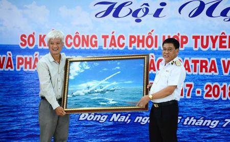 Phat dong chuong trinh 'SATRA vi bien dao que huong' - Anh 1