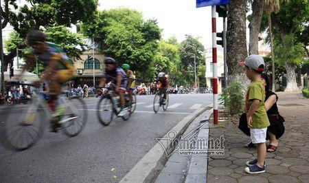 Doi dua TP Ho Chi Minh thang lon chang 1 - Anh 11