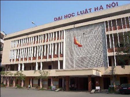 Diem xet tuyen vao Dai hoc Luat Ha Noi moi nhat - Anh 1