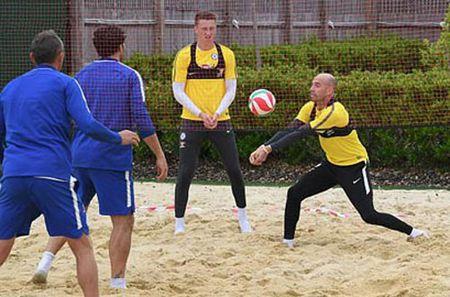 HAU TRUONG (16.6): Chelsea co 'cap doi cong nong', Lukaku gay that vong - Anh 4