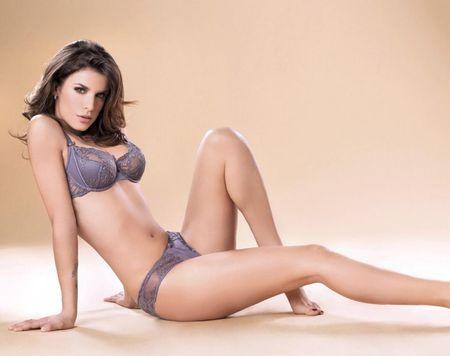 Elisabetta Canalis - sieu mau duoc ca Serie A them khat - Anh 2