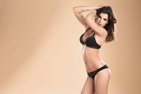 Elisabetta Canalis - sieu mau duoc ca Serie A them khat - Anh 5