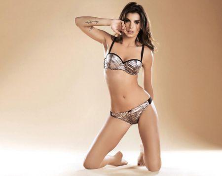 Elisabetta Canalis - sieu mau duoc ca Serie A them khat - Anh 8