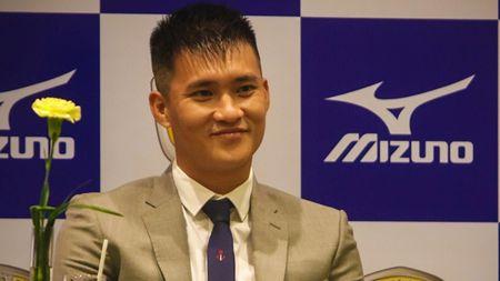 Diem tin bong da Viet Nam toi 16/07: Cong Vinh muon dua CDV TP.HCM ra nuoc ngoai - Anh 2