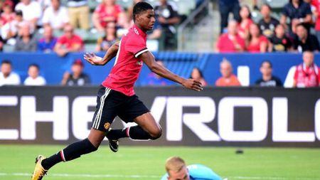 "MU ""vui dap"" LA Galaxy: Mourinho muon tao song sat Rashford - Lukaku - Anh 1"