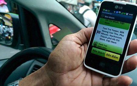 Ha Noi: Chinh thuc 'cam cua' dich vu GrabShare va UberPool - Anh 1