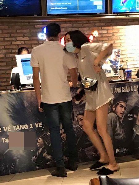 Fan 'doa giet', chui boi, xuc pham Hien Ho sau vu lo anh hen ho Soobin - Anh 2