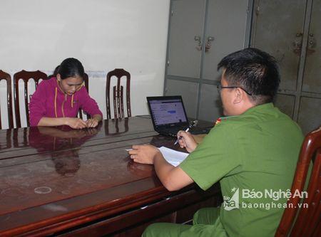 Bat giu doi tuong lua dao mua ban hang hoa tren mang xa hoi - Anh 1