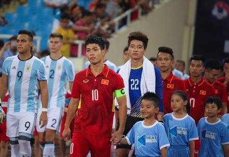 Chuyen chiec bang doi truong o U22 Viet Nam - Anh 2