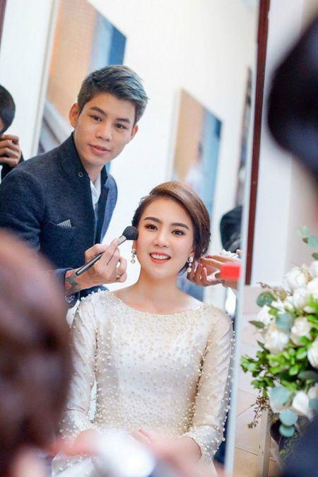 Dung Nguyen muon mang ao dai Tulip ra the gioi - Anh 1
