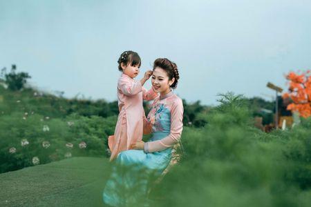 Dung Nguyen muon mang ao dai Tulip ra the gioi - Anh 3