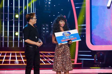 Hoai Linh treu Jun Pham gia Dong Nhi qua 'ho bao' - Anh 3
