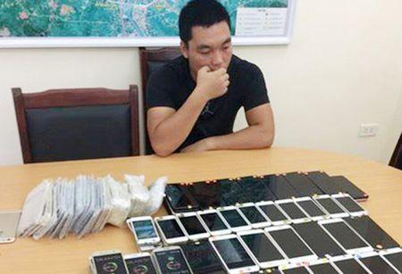 Gan 200 dien thoai iPhone nhap lau tri gia tren 1 ty dong - Anh 1