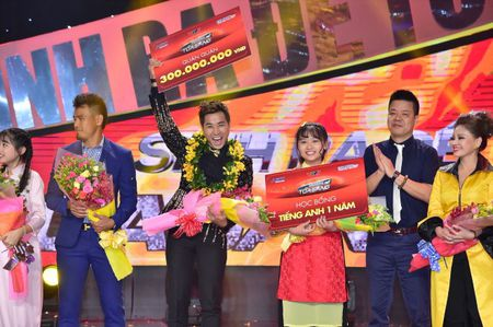 MC Nguyen Khang tro thanh quan quan 'Sinh ra de toa sang' 2017 - Anh 3