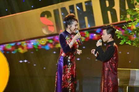 MC Nguyen Khang tro thanh quan quan 'Sinh ra de toa sang' 2017 - Anh 5