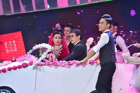 MC Nguyen Khang tro thanh quan quan 'Sinh ra de toa sang' 2017 - Anh 8