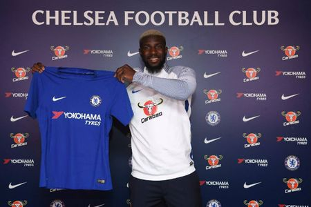 The thao 24h: Bakayoko chinh thuc gia nhap Chelsea - Anh 1