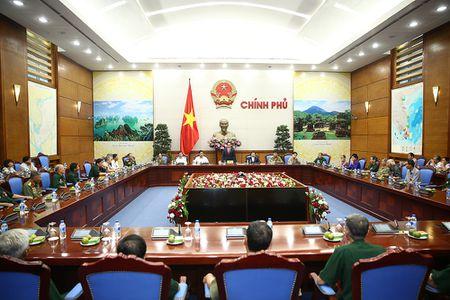 Pho Thu tuong Vu Duc Dam tiep doan nguoi co cong tinh Bac Kan - Anh 2