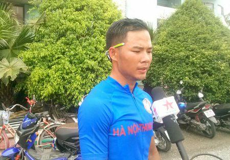 Chang 3 Dua xe dap 'Ve Truong Son': Xuyen qua tam bao! - Anh 2
