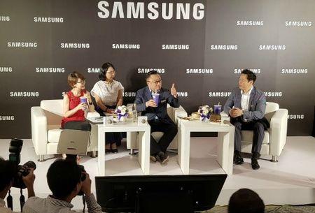 CEO Samsung xac nhan Galaxy Note 8 se ra mat cuoi thang 8 - Anh 1