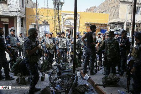 Luc luong canh sat Iraq o Mosul sau ngay giai phong - Anh 10