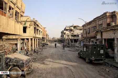 Luc luong canh sat Iraq o Mosul sau ngay giai phong - Anh 8