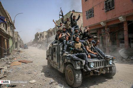 Luc luong canh sat Iraq o Mosul sau ngay giai phong - Anh 9