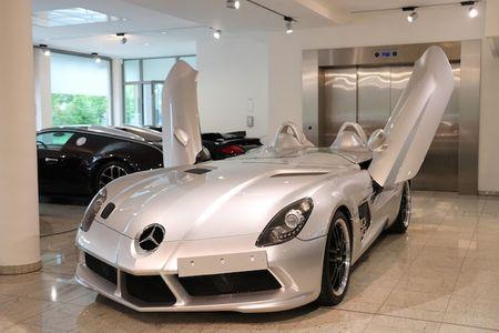 Sieu xe mui tran Mercedes SLR 'sieu doc' gia 68 ty - Anh 1
