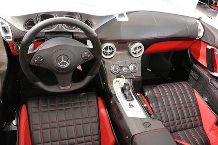 Sieu xe mui tran Mercedes SLR 'sieu doc' gia 68 ty - Anh 5