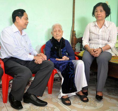 Chu tich Uy ban Trung uong MTTQVN tham gia dinh chinh sach tai Da Nang - Anh 2