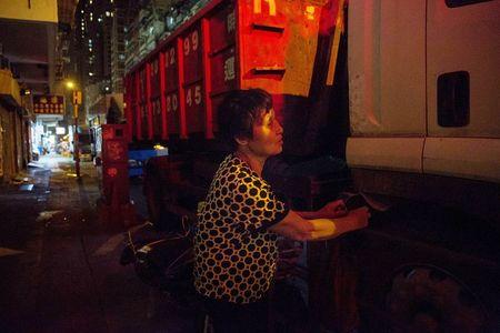 Goc toi dang sau ve hao nhoang tai thanh pho cua gioi sieu giau - Hong Kong - Anh 1